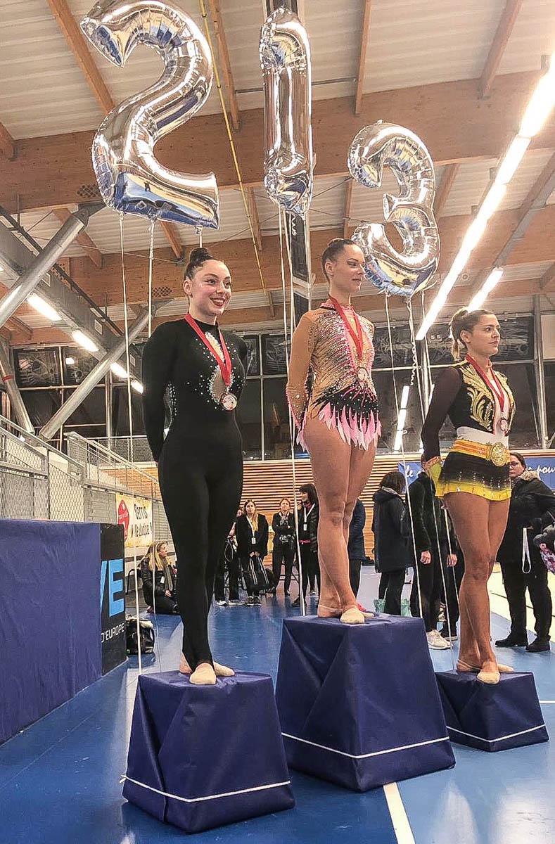 podium_Laura